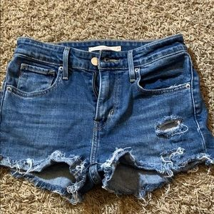 Levi's short high rise size 25